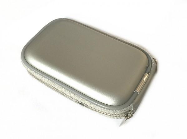 Akkutasche in Silber